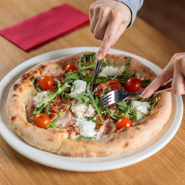 Pizzeria-Al-Pomodoro-10