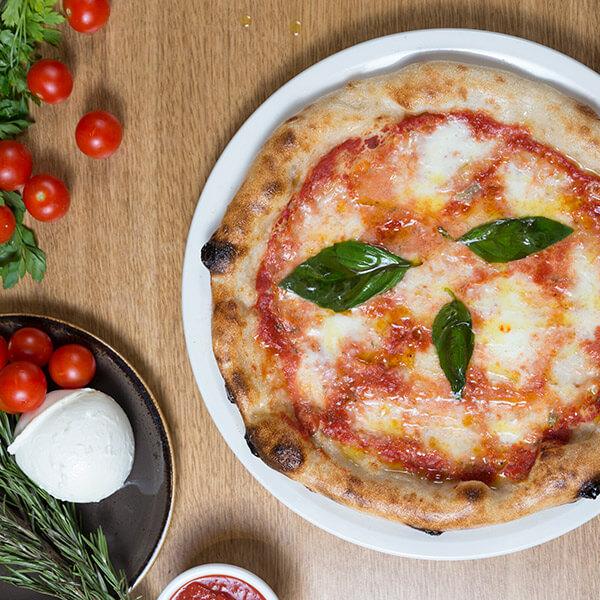 Pizzeria-Al-Pomodoro-23